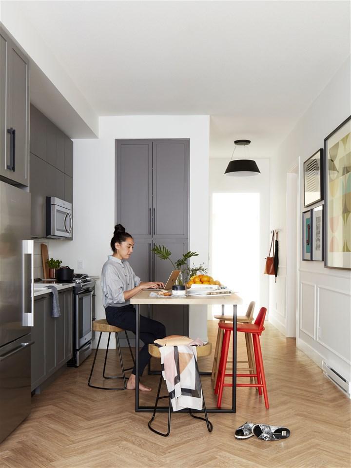 Condo Apartment at 202 14968 101A AVENUE, Unit 202, North Surrey, British Columbia. Image 4