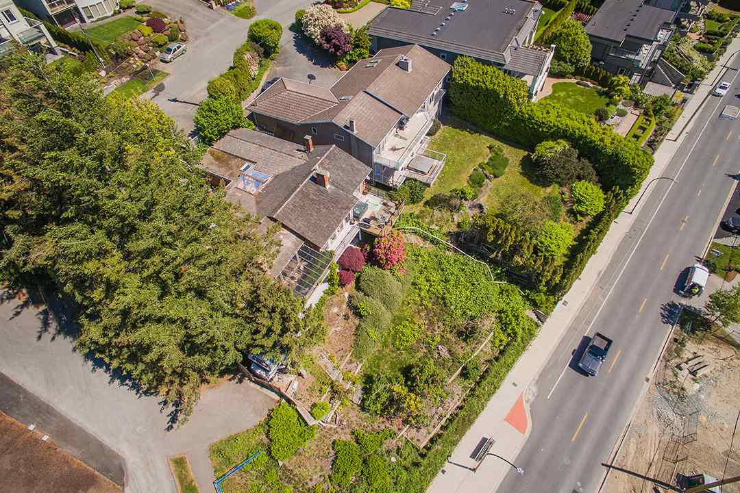 Detached at 14310 SUNSET DRIVE, South Surrey White Rock, British Columbia. Image 13