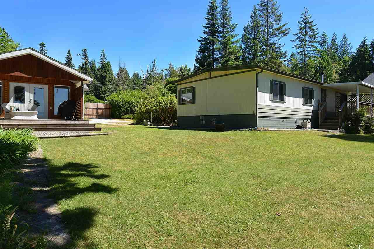 Detached at 8041 REDROOFFS ROAD, Sunshine Coast, British Columbia. Image 2