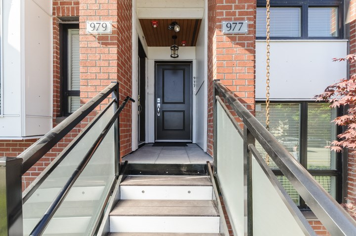 Townhouse at 977 W 70TH AVENUE, Vancouver West, British Columbia. Image 3