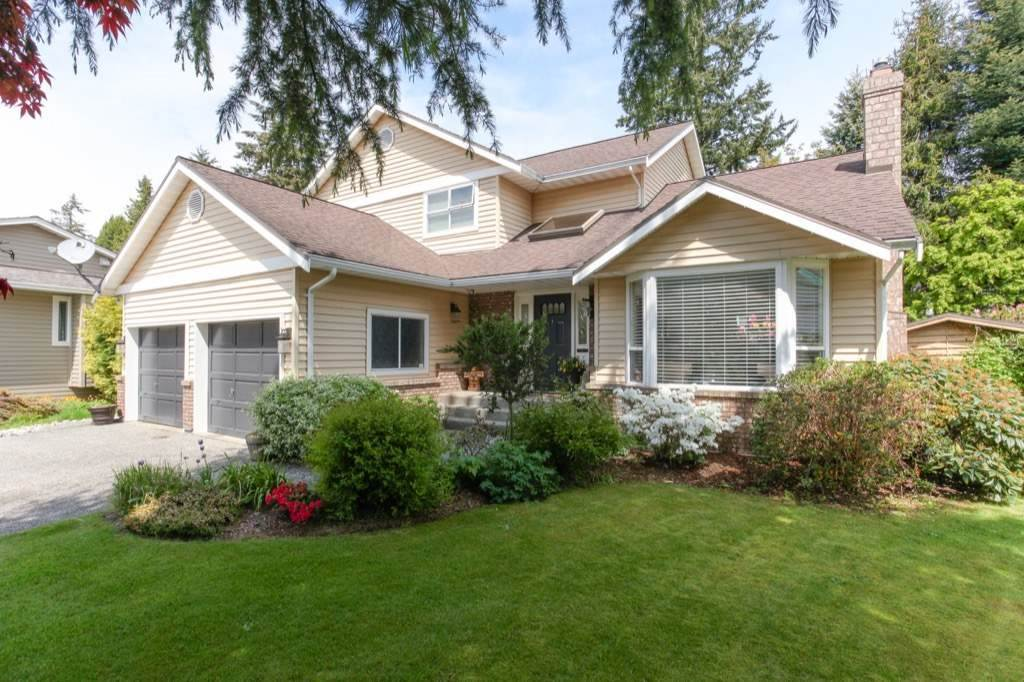 Detached at 13505 15A AVENUE, South Surrey White Rock, British Columbia. Image 2