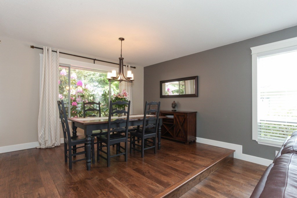 Detached at 13505 15A AVENUE, South Surrey White Rock, British Columbia. Image 5