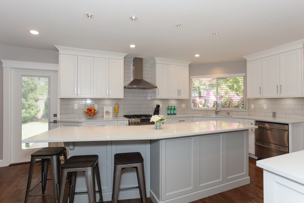 Detached at 13505 15A AVENUE, South Surrey White Rock, British Columbia. Image 6