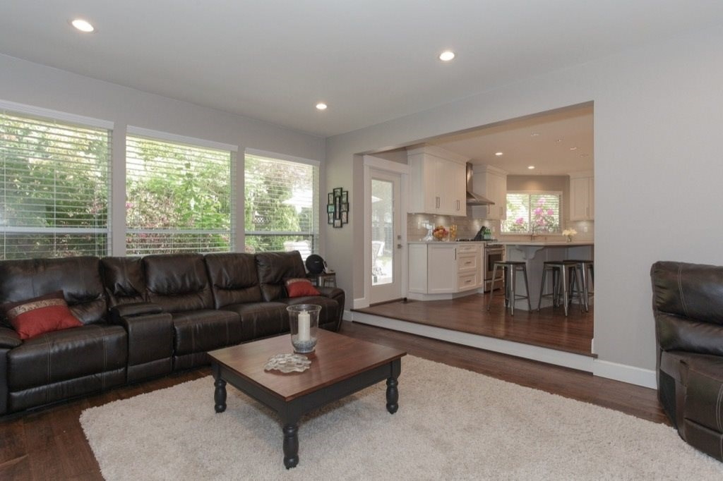 Detached at 13505 15A AVENUE, South Surrey White Rock, British Columbia. Image 10