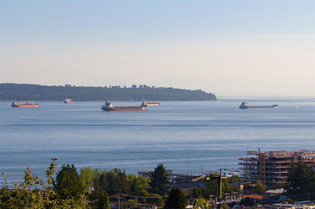 Detached at 1074 FULTON AVENUE, West Vancouver, British Columbia. Image 19