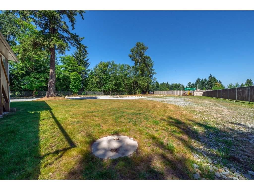 Detached at 17817 97 AVENUE, North Surrey, British Columbia. Image 19