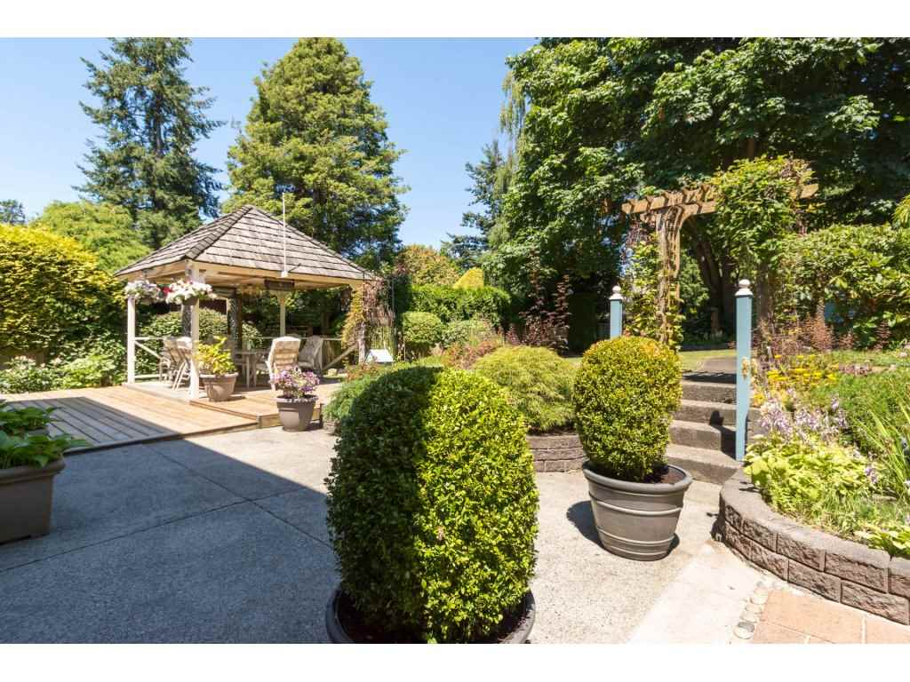 Detached at 12751 20A AVENUE, South Surrey White Rock, British Columbia. Image 2