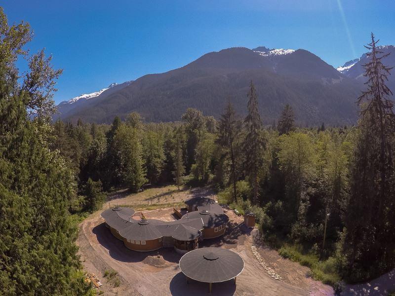Detached at 1788 MAGEE ROAD, Squamish, British Columbia. Image 3