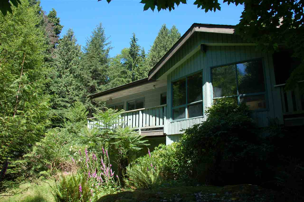 Detached at 1457 WOODS ROAD, Bowen Island, British Columbia. Image 5