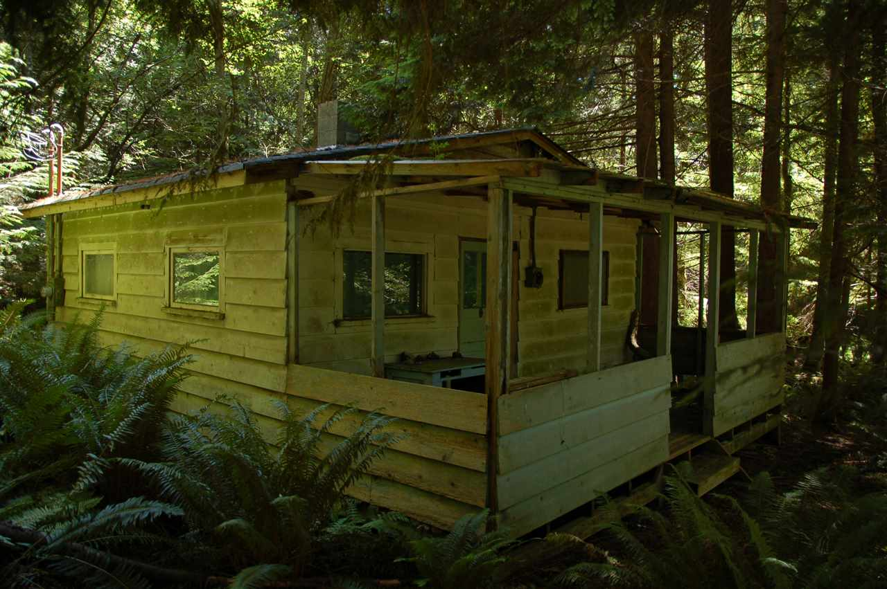 Detached at 1457 WOODS ROAD, Bowen Island, British Columbia. Image 6