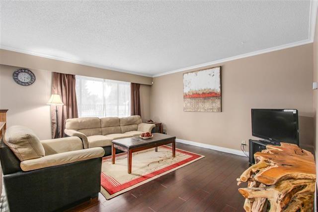 Half-duplex at 9974 127B STREET, North Surrey, British Columbia. Image 2