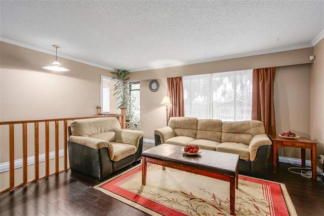 Half-duplex at 9974 127B STREET, North Surrey, British Columbia. Image 3