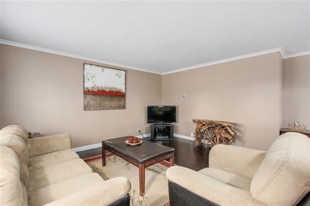 Half-duplex at 9974 127B STREET, North Surrey, British Columbia. Image 4