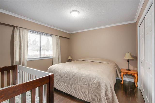 Half-duplex at 9974 127B STREET, North Surrey, British Columbia. Image 9