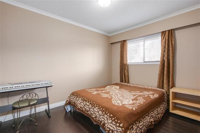 Half-duplex at 9974 127B STREET, North Surrey, British Columbia. Image 10