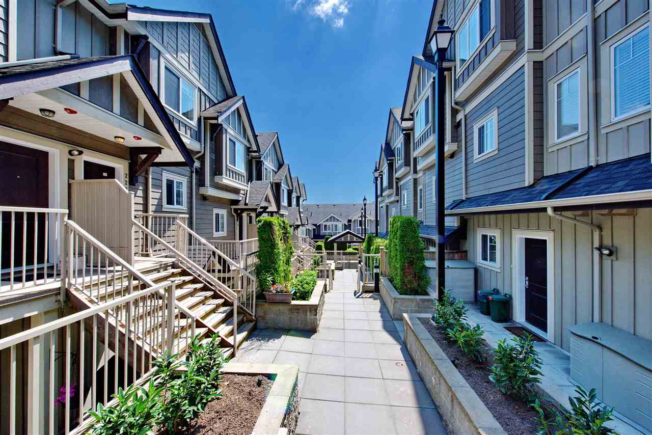 Townhouse at 227 368 ELLESMERE AVENUE, Unit 227, Burnaby North, British Columbia. Image 2