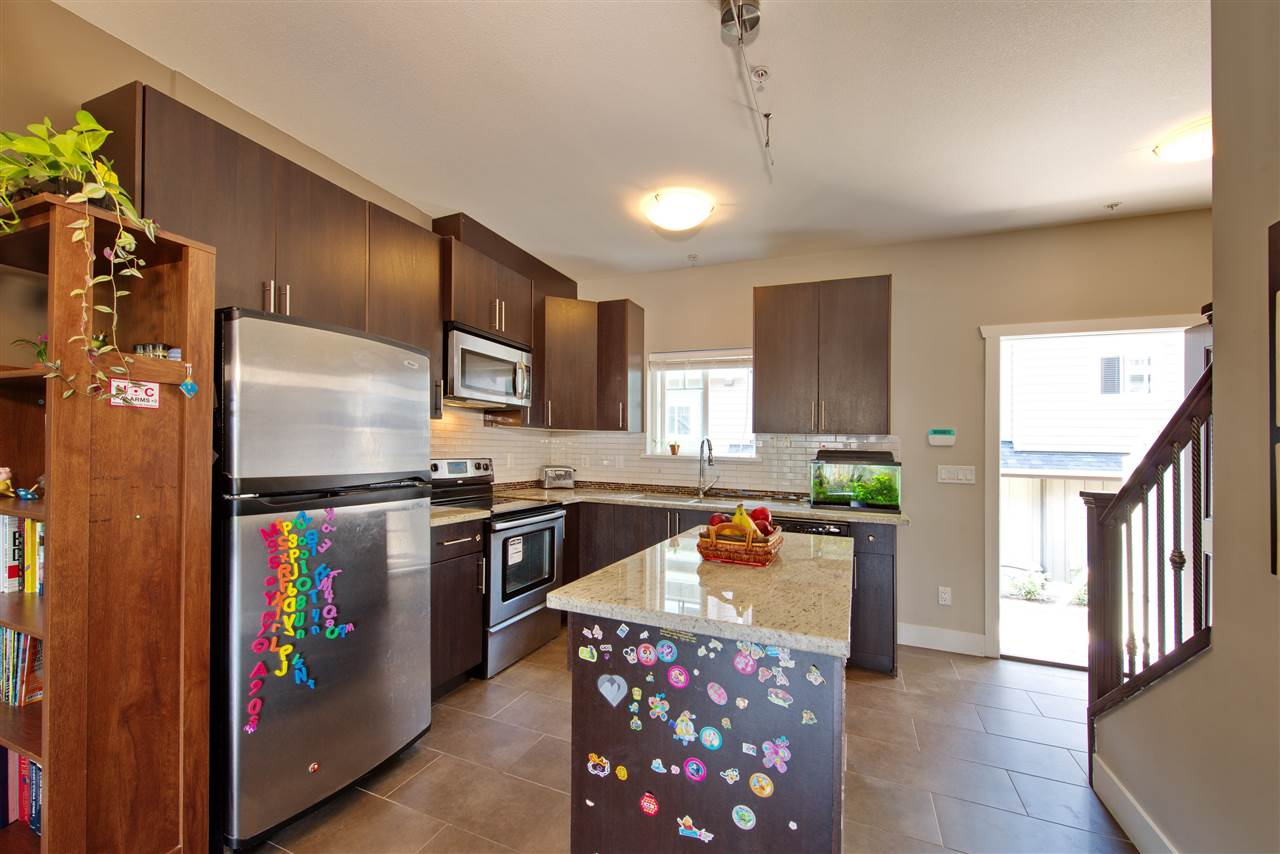 Townhouse at 227 368 ELLESMERE AVENUE, Unit 227, Burnaby North, British Columbia. Image 4