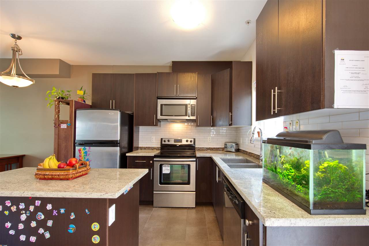 Townhouse at 227 368 ELLESMERE AVENUE, Unit 227, Burnaby North, British Columbia. Image 5