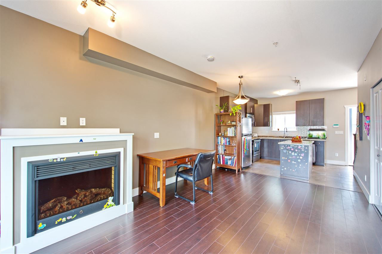 Townhouse at 227 368 ELLESMERE AVENUE, Unit 227, Burnaby North, British Columbia. Image 7