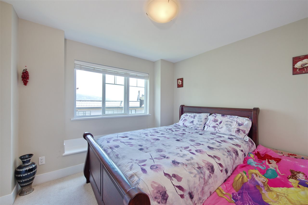 Townhouse at 227 368 ELLESMERE AVENUE, Unit 227, Burnaby North, British Columbia. Image 9