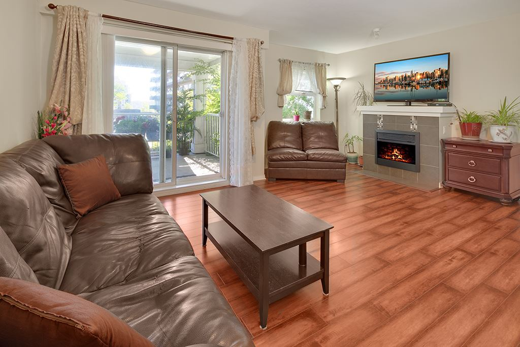Townhouse at 2 168 SIXTH STREET, Unit 2, New Westminster, British Columbia. Image 3