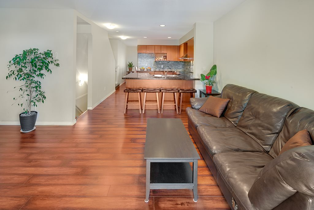 Townhouse at 2 168 SIXTH STREET, Unit 2, New Westminster, British Columbia. Image 4