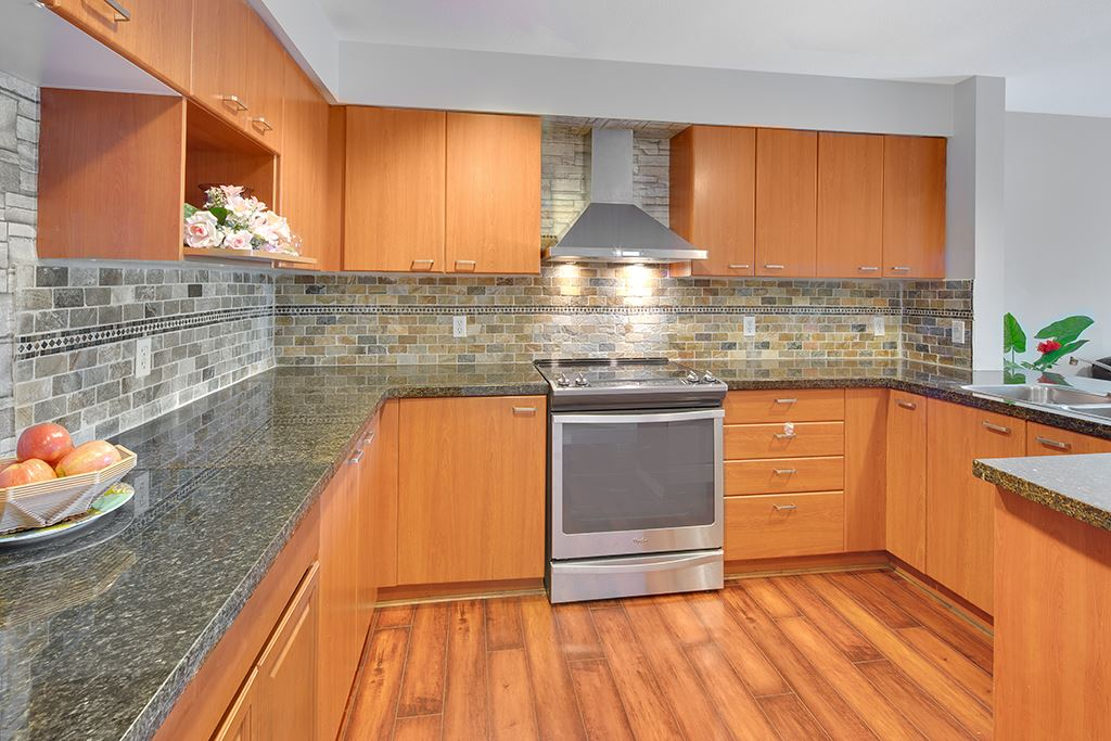Townhouse at 2 168 SIXTH STREET, Unit 2, New Westminster, British Columbia. Image 5