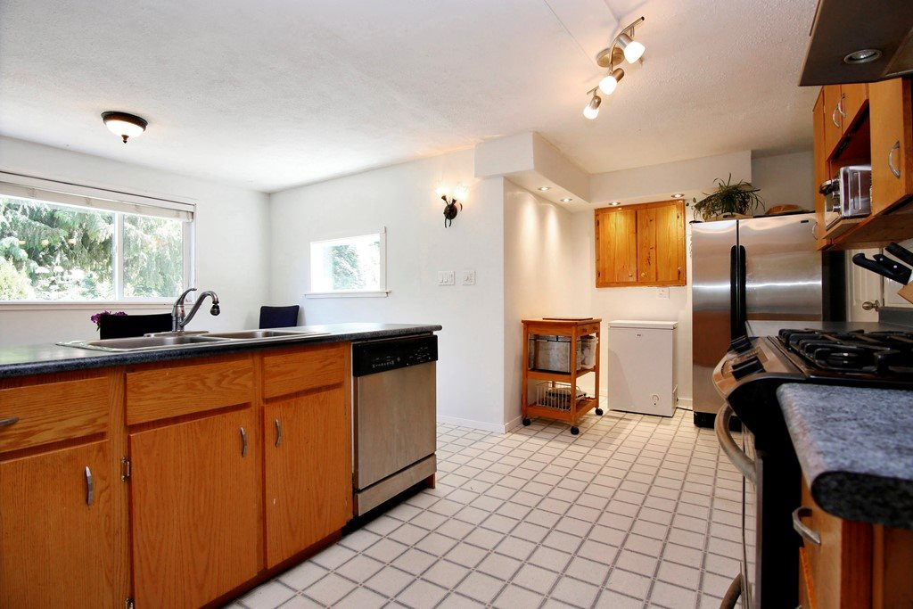 Detached at 41755 LOUGHEED HIGHWAY, Mission, British Columbia. Image 5