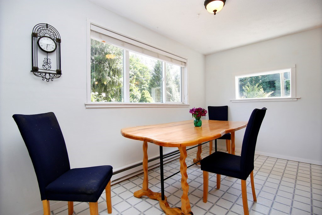 Detached at 41755 LOUGHEED HIGHWAY, Mission, British Columbia. Image 7