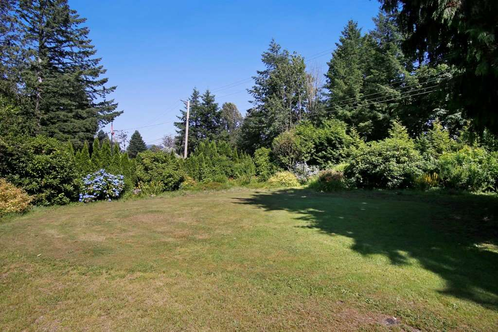Detached at 41755 LOUGHEED HIGHWAY, Mission, British Columbia. Image 19