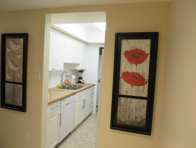 Condo Apartment at 207 6595 WILLINGDON AVENUE, Unit 207, Burnaby South, British Columbia. Image 2