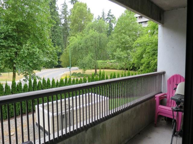 Condo Apartment at 207 6595 WILLINGDON AVENUE, Unit 207, Burnaby South, British Columbia. Image 5