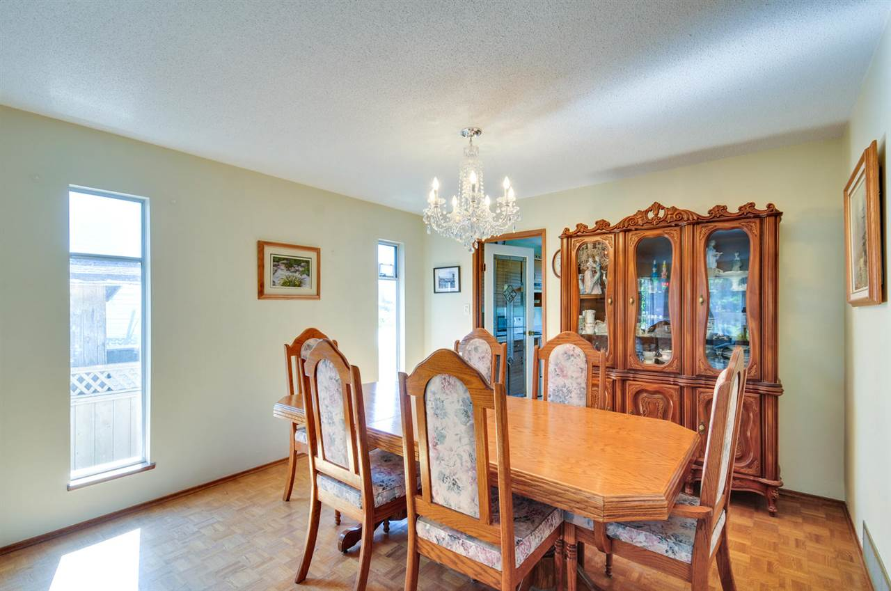 Detached at 16138 11A AVENUE, South Surrey White Rock, British Columbia. Image 3