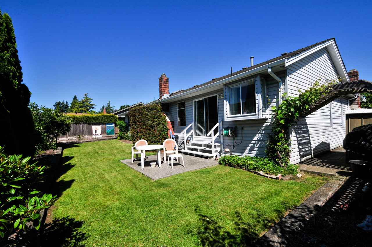 Detached at 16138 11A AVENUE, South Surrey White Rock, British Columbia. Image 12