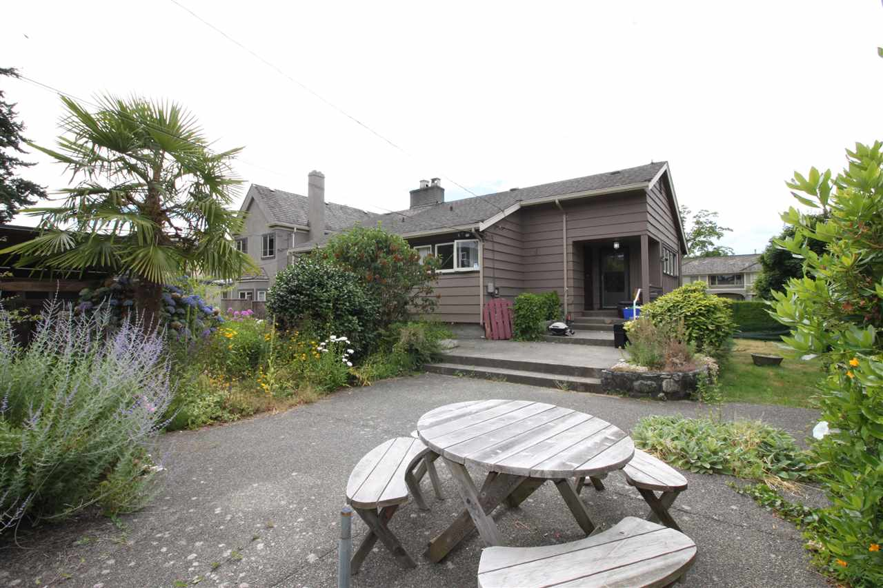 Detached at 2177 W 54TH AVENUE, Vancouver West, British Columbia. Image 2