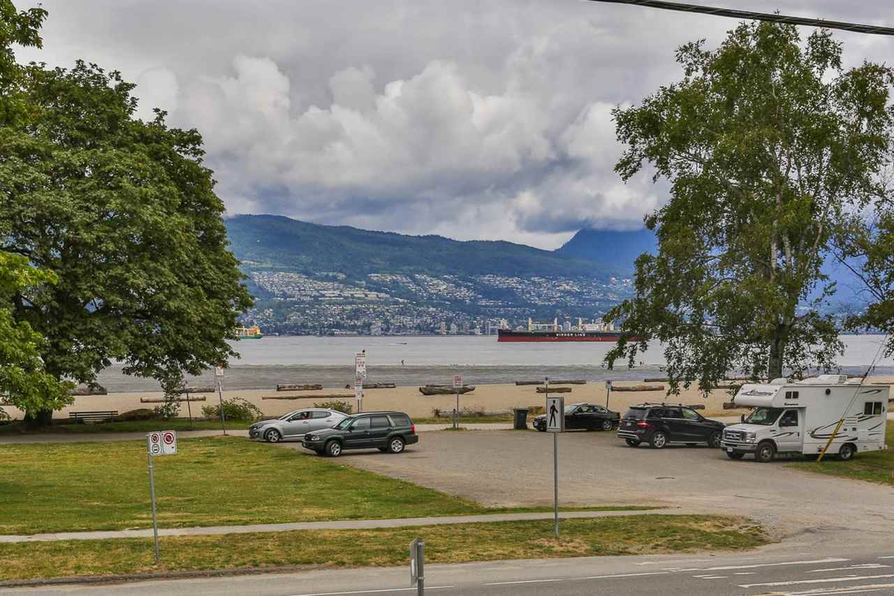 Detached at 4510 NW MARINE DRIVE, Vancouver West, British Columbia. Image 17