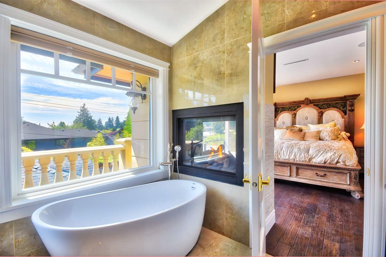 Detached at 2939 COLWOOD DRIVE, North Vancouver, British Columbia. Image 14