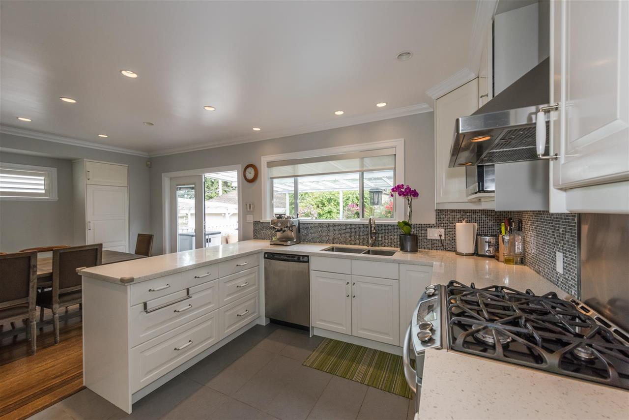 Detached at 1555 W 58TH AVENUE, Vancouver West, British Columbia. Image 3