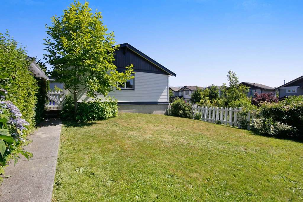 Detached at 4330 BILL REID TERRACE, Abbotsford, British Columbia. Image 19