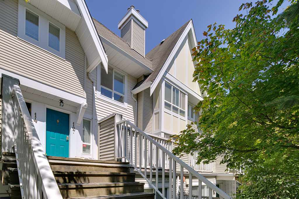 Townhouse at 12 6577 SOUTHOAKS CRESCENT, Unit 12, Burnaby South, British Columbia. Image 2