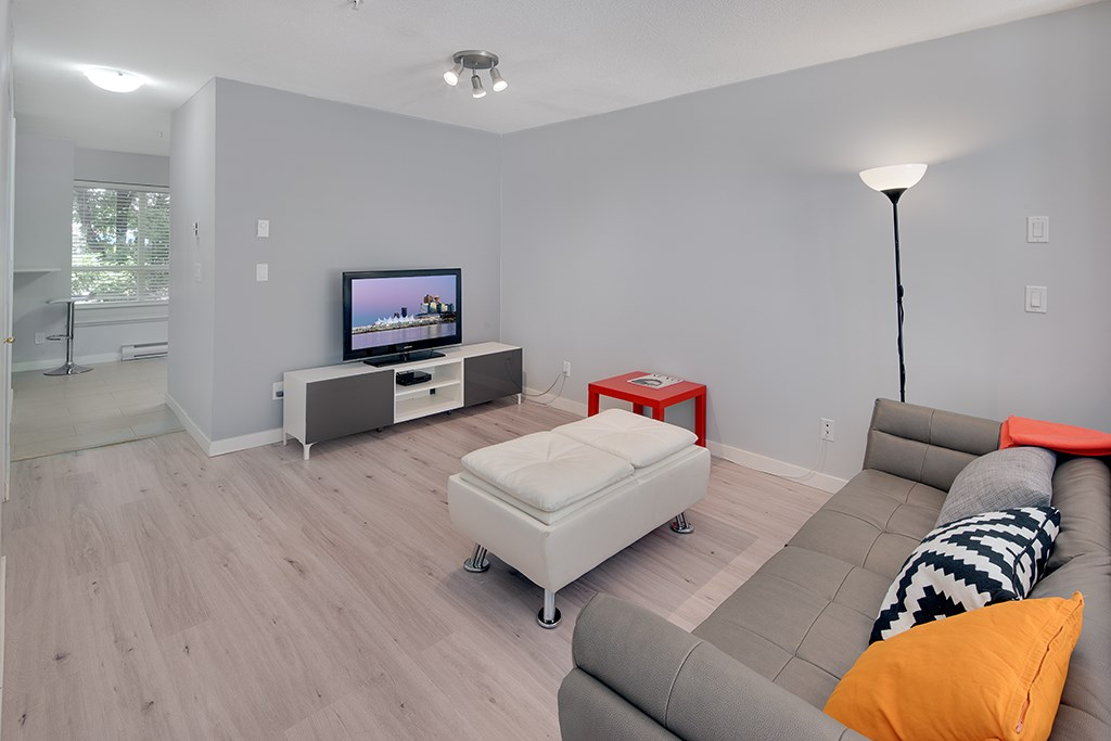 Townhouse at 12 6577 SOUTHOAKS CRESCENT, Unit 12, Burnaby South, British Columbia. Image 5