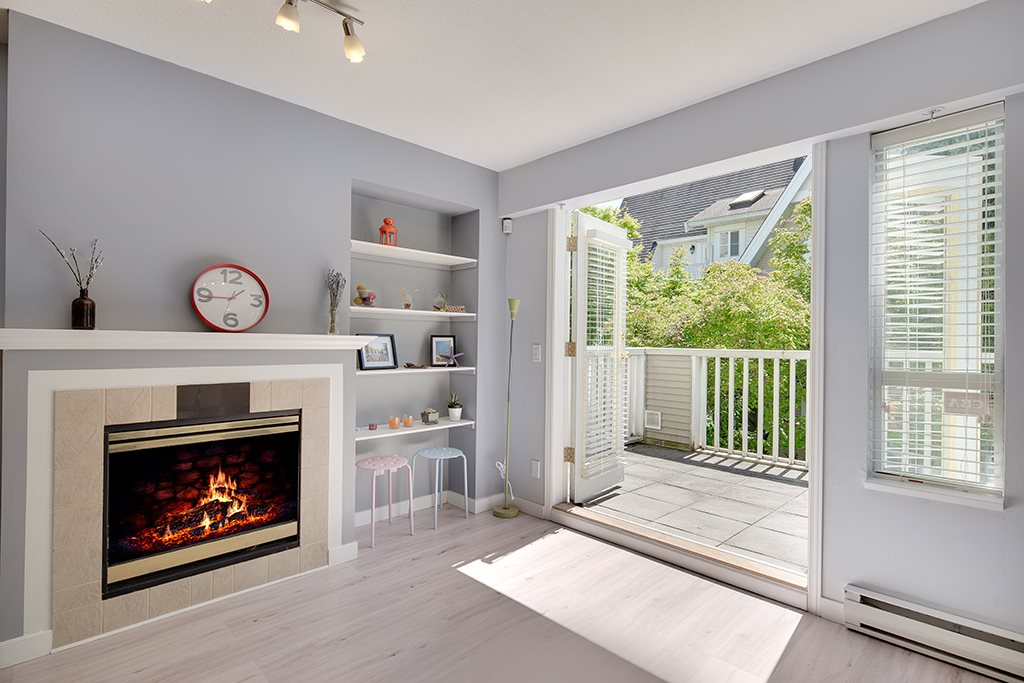 Townhouse at 12 6577 SOUTHOAKS CRESCENT, Unit 12, Burnaby South, British Columbia. Image 6