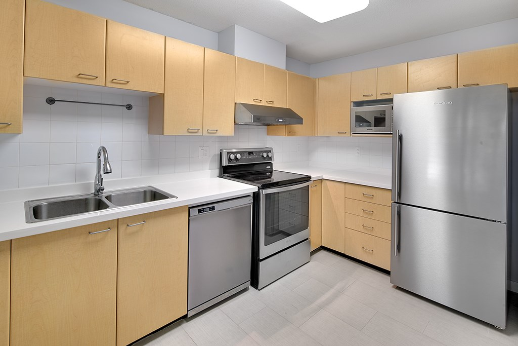 Townhouse at 12 6577 SOUTHOAKS CRESCENT, Unit 12, Burnaby South, British Columbia. Image 8
