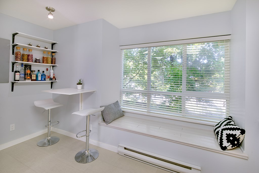 Townhouse at 12 6577 SOUTHOAKS CRESCENT, Unit 12, Burnaby South, British Columbia. Image 9