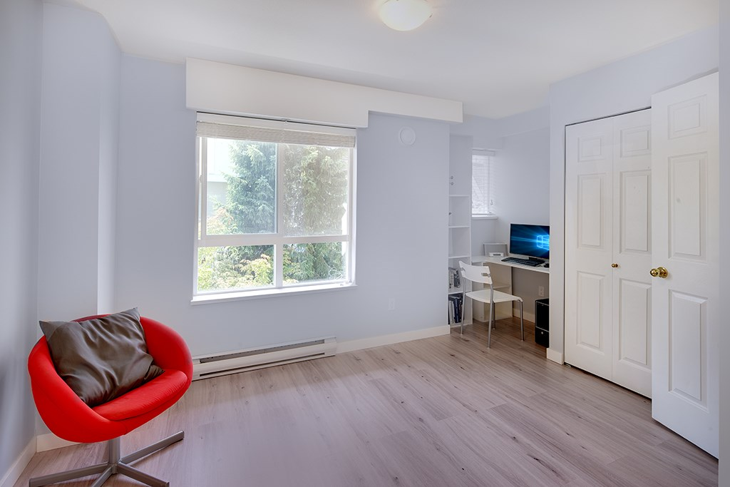 Townhouse at 12 6577 SOUTHOAKS CRESCENT, Unit 12, Burnaby South, British Columbia. Image 13
