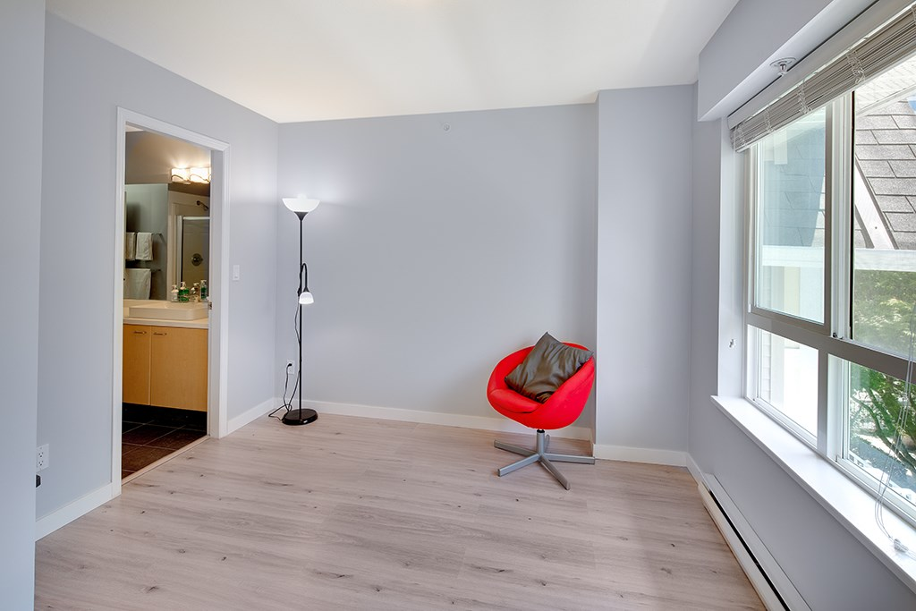 Townhouse at 12 6577 SOUTHOAKS CRESCENT, Unit 12, Burnaby South, British Columbia. Image 14