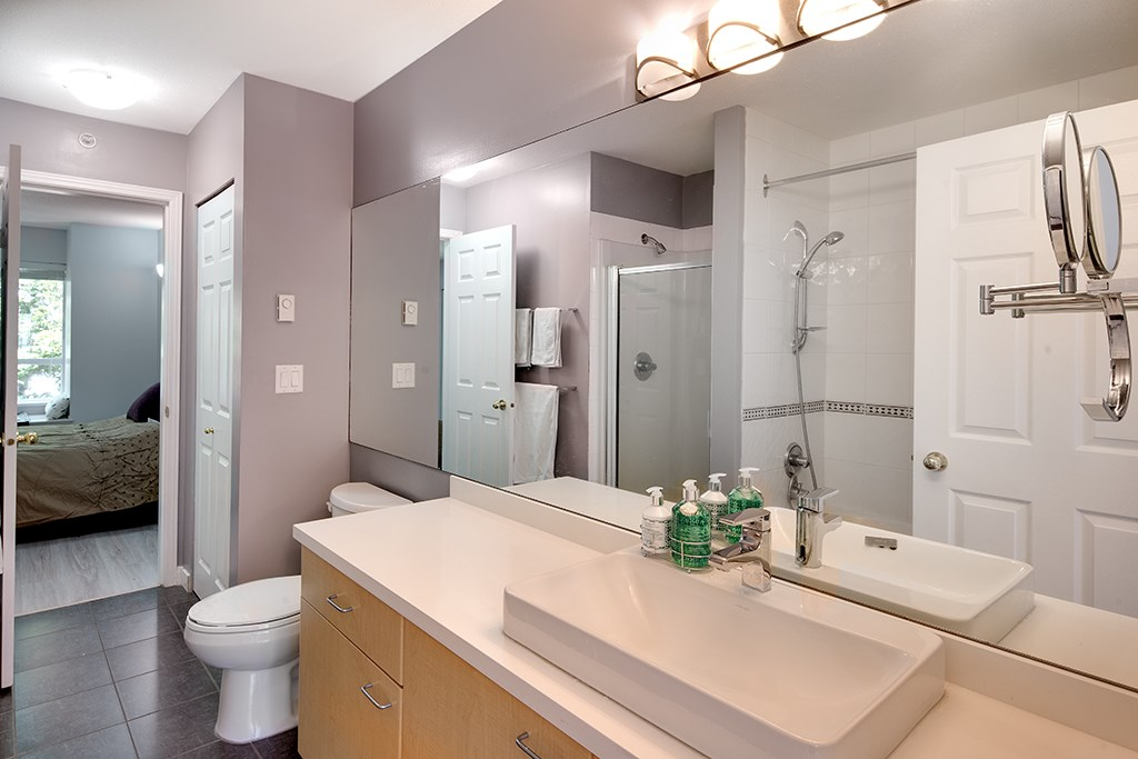 Townhouse at 12 6577 SOUTHOAKS CRESCENT, Unit 12, Burnaby South, British Columbia. Image 15