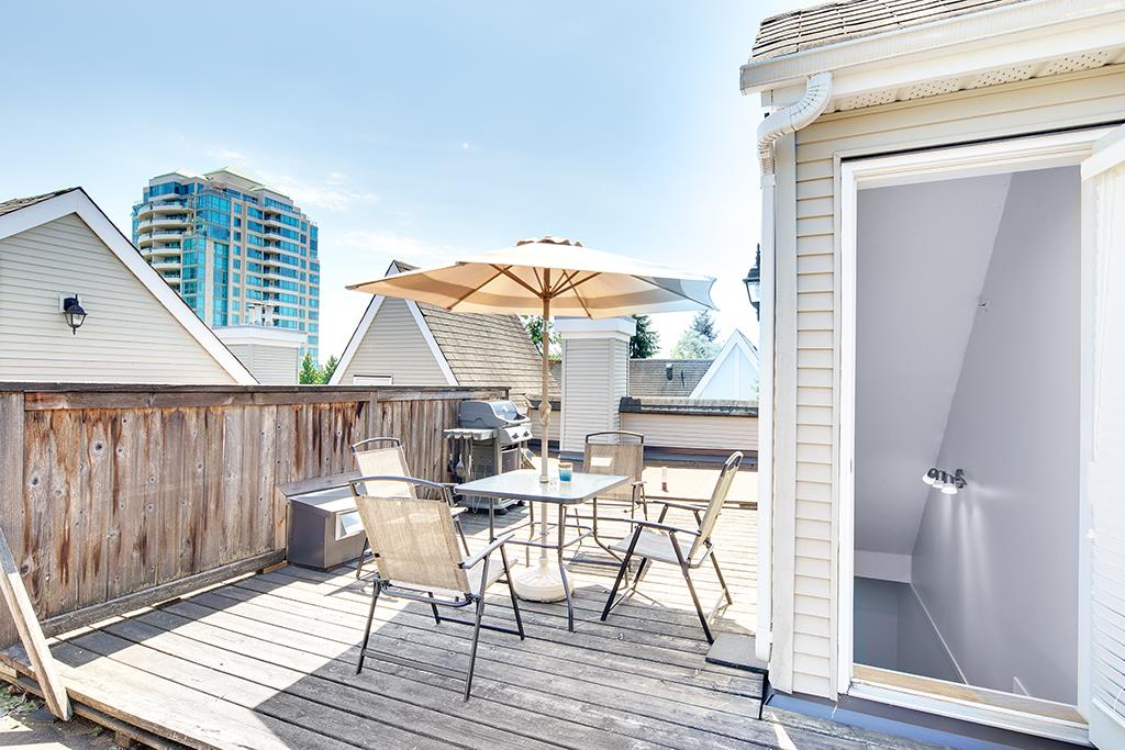 Townhouse at 12 6577 SOUTHOAKS CRESCENT, Unit 12, Burnaby South, British Columbia. Image 18