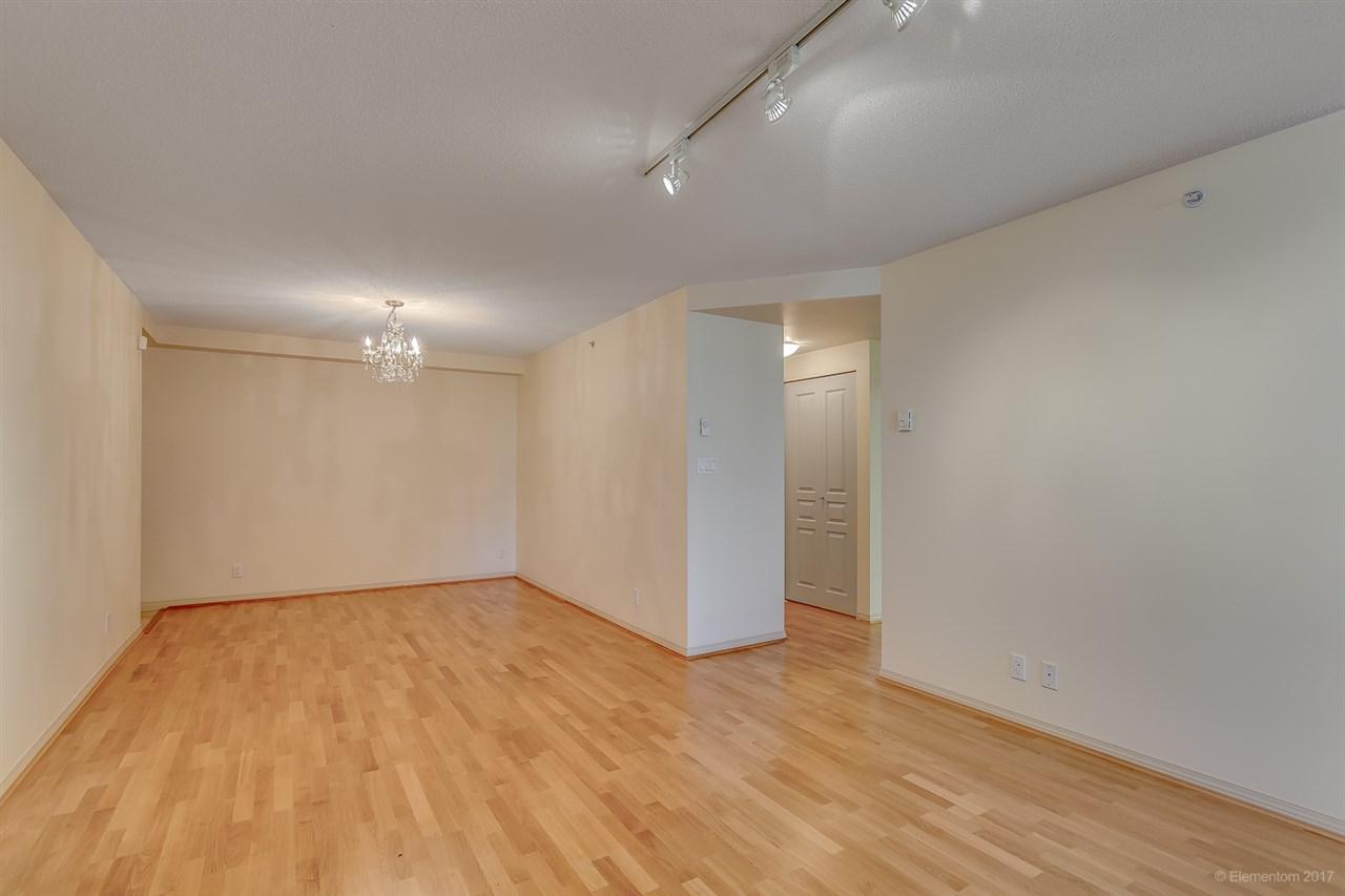 Condo Apartment at 204 1575 W 10TH AVENUE, Unit 204, Vancouver West, British Columbia. Image 5