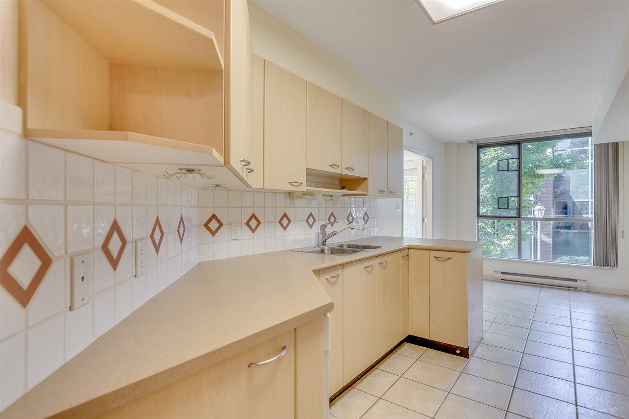 Condo Apartment at 204 1575 W 10TH AVENUE, Unit 204, Vancouver West, British Columbia. Image 7